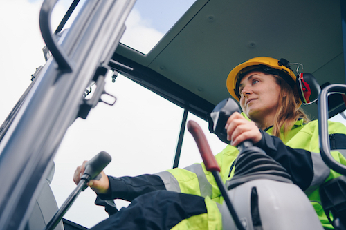 5 Things to Look for When Selecting a Construction Equipment School