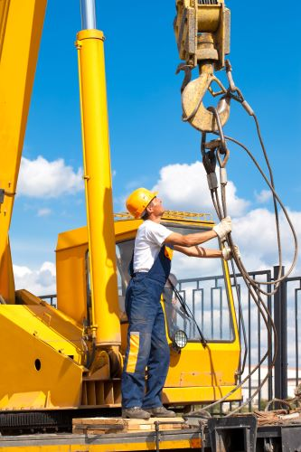 Why Should I Attend Crane School to Learn How to Operate a Crane?
