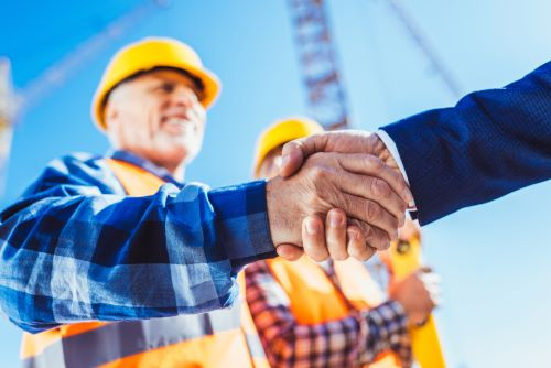 How to Prepare a Resume for Crane Operator Jobs
