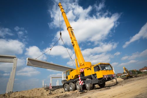 What Does a Mobile Crane Operator Do?