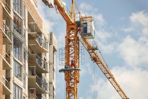 Do Crane Operator Jobs Require Continuing Education?